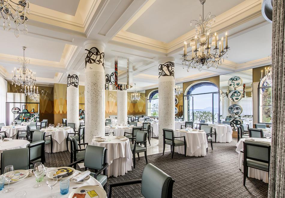 La Passagère Michelin Starred Restaurant Antibes Interiors